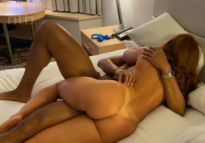 Amateur Happy Wife Cheating Cuckold