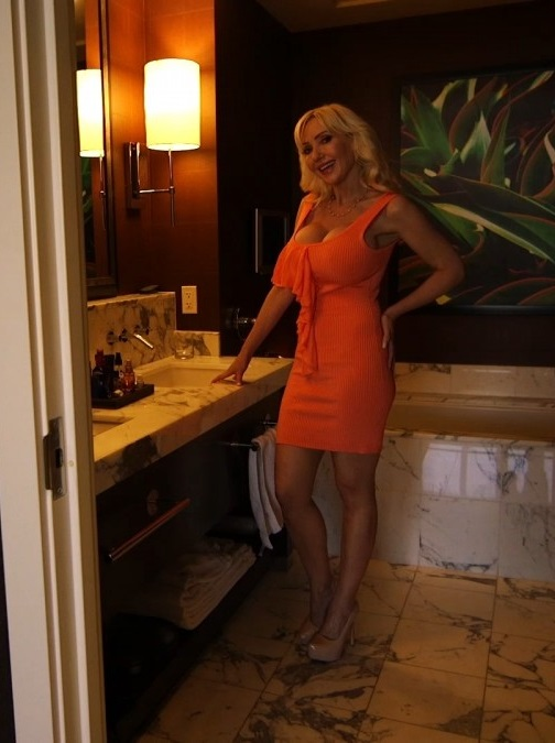 Victoria Busty Wife In Hootel Room